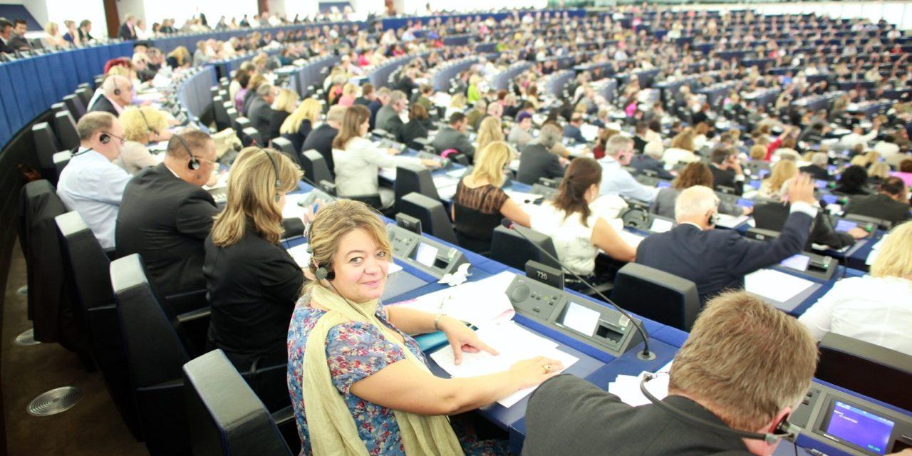 Intervention d'Isabelle Thomas dans le débat sur les retards dans le débat sur le lancement de la politique de cohésion pour 2014-2020