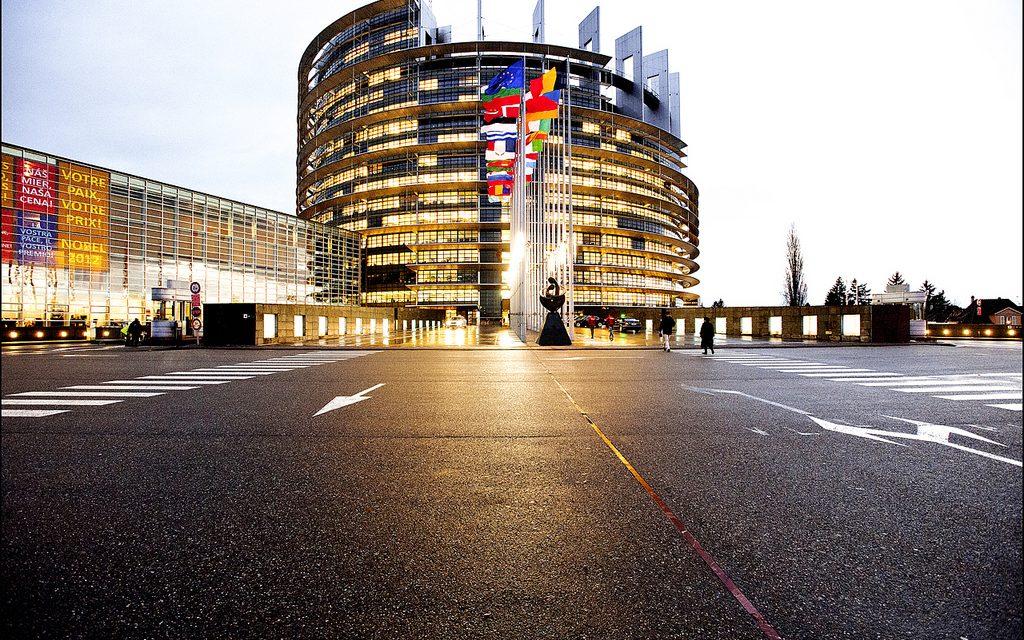Un pas pour la démocratie, incertitude sur la réorientation