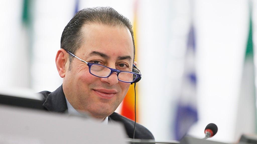 Pittella: «Le Pen ment sur Schengen en exploitant les peurs des citoyens»