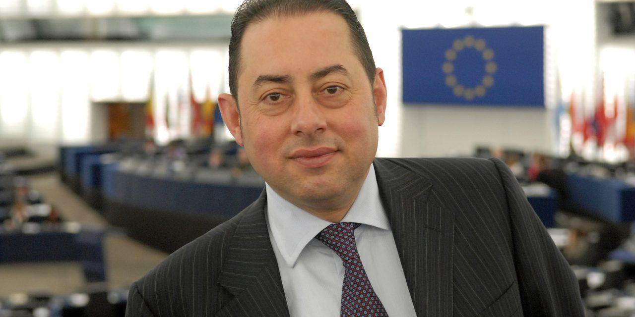 Gianni Pittella reconduit par acclamation à la présidence du groupe des Socialistes et Démocrates