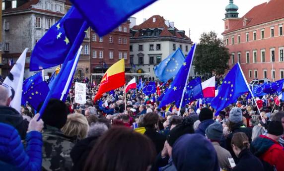 Droit national et droit européen en Pologne : une bataille politique